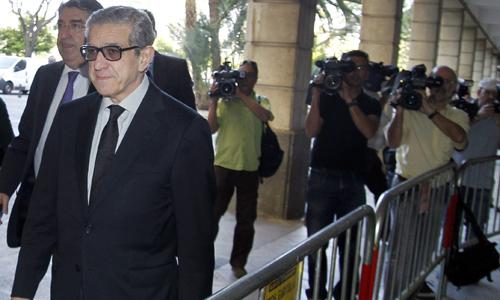 BRAULIO MEDEL SE ACOGE A NO DECLARAR Y LAS ACUSACIONES PIDEN FIANZA