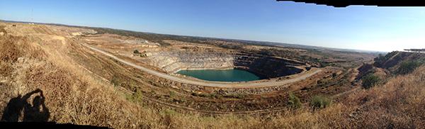 Corta de la mina sevillana de Aznalcóllar. 7 EL CORREO