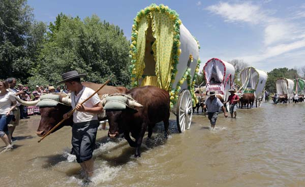 Paso de Hermandades por el Quema. Foto. José Luis Montero.