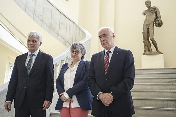 El consejero de Educación, Luciano Alonso, junto con sus homólogos de Canarias y Asturias, ayer en Madrid. / C. A.