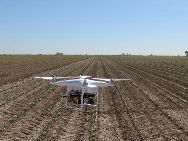 El vehículo aéreo no tripulado trabaja con rayos infrarrojos. / El Correo