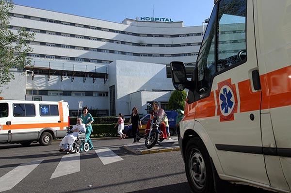 Salud calcula que en verano la ocupación media de los hospitales es del 80% de las camas. / Javier Cuesta