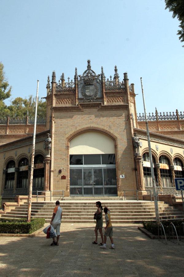 El antiguoPabellón Real de la Exposición de 1929 alberga en la actualidad oficinas municipales. / Antonio Acedo