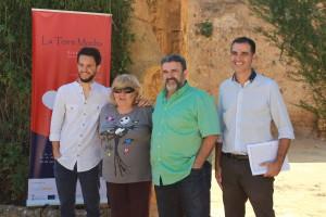 Responsables de la iniciativa 'Historia Viva', ayer en Alcalá. Foto: El Correo