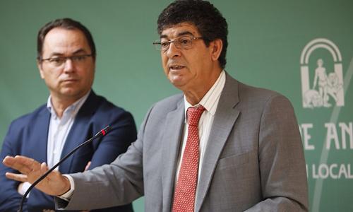 Diego Valderas, en rueda de prensa.