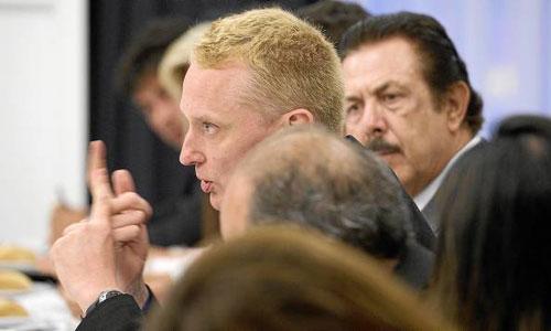 El alto funcionario comunitario Juerguen Foecking durante un momento de su conferencia en el ciclo 'Hablemos de Europa'. / Foto: Pepo Herrera