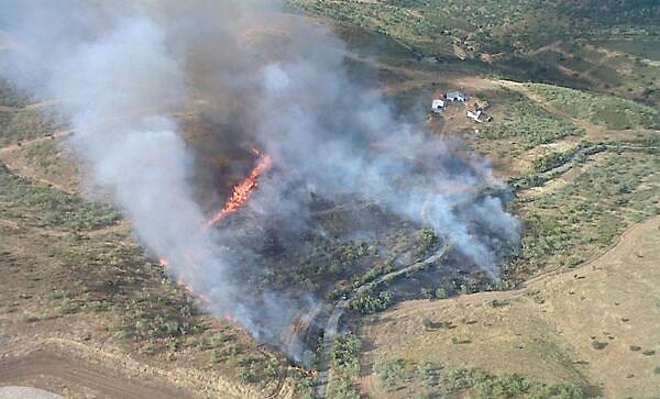 Imagen aérea del incendio. / Plan Infoca