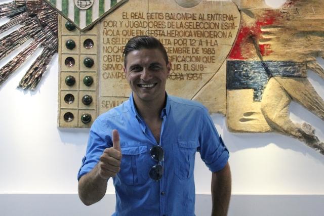 Joaquín posa en el Villamarín tras el partido del Betis B, el pasado domingo / B. Ruiz