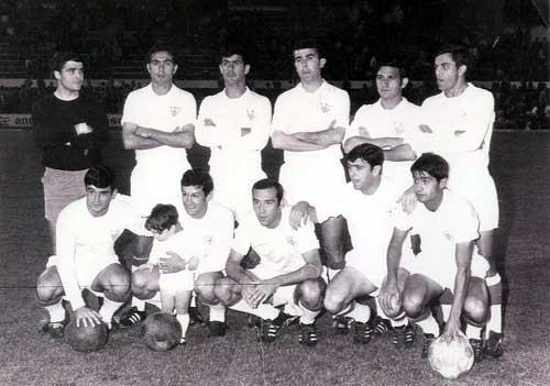 De izquierda a derecha: izda a dcha Rodri-Isabelo-Costas-Tony-Hita-Santos (de pie)-Polo-Bergara con su hijo Simón- Eloy II- Berruezo y Lebrónn.
