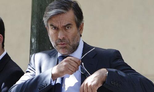 El magistrado del Tribunal Constitucional (TC) Enrique López presentará este lunes su dimisión al presidente de este órgano, Francisco Pérez de los Cobos.
