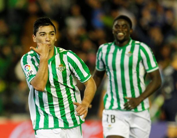 Lolo Reyes celebra el gol que marcó al Málaga / Ramón Navarro