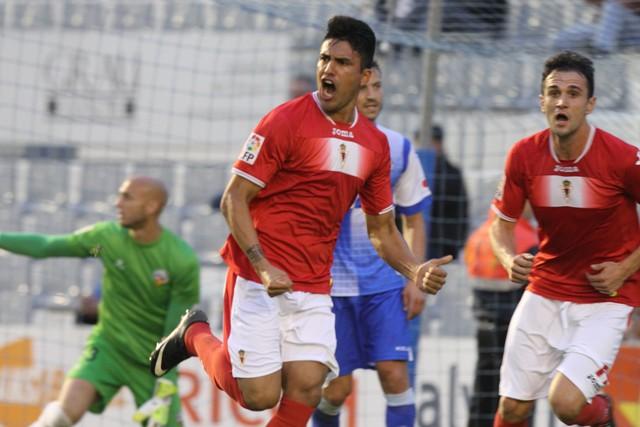 Mauro dos Santos celebra un gol con el Murcia esta temporada / Joma