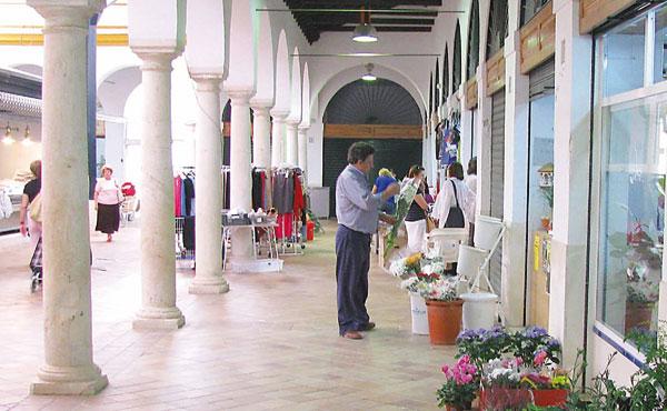 La rehabilitación de la plaza de abastos de Osuna, una de las principales intervenciones a realizar. / El Correo
