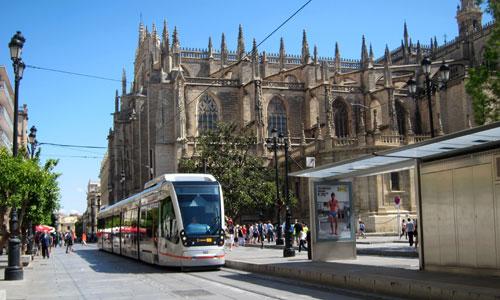 El Ayuntamiento retirará las catenarias desde el Archivo de Indias hasta el Prado.