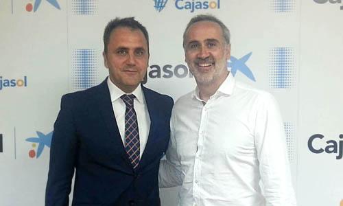 El presidente Fernando Moral junto a uno de los representantes del grupo de inversión, José Luis Galilea.