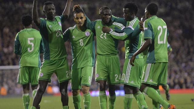 Nosa, a la derecha, celebra un gol de Nigeria en el amistoso ante Escocia / NFF
