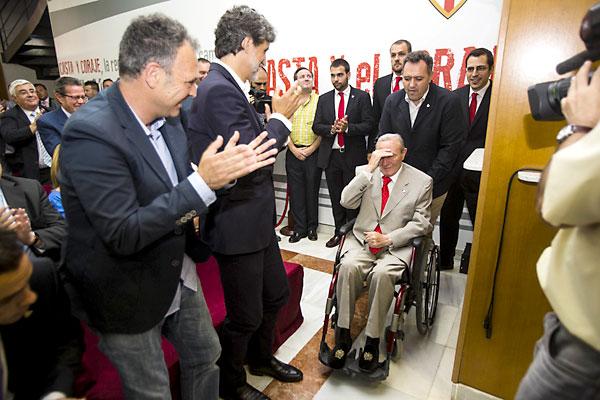 Roberto Alés, a su llegada.  / Foto: Carlos Hernández