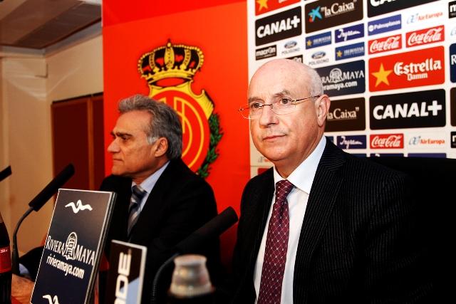 Lorenzo Serra Ferrer y Biel Cerdá (a la izquierda) venderán sus acciones si el Mallorca se salva / Tooru Shimada