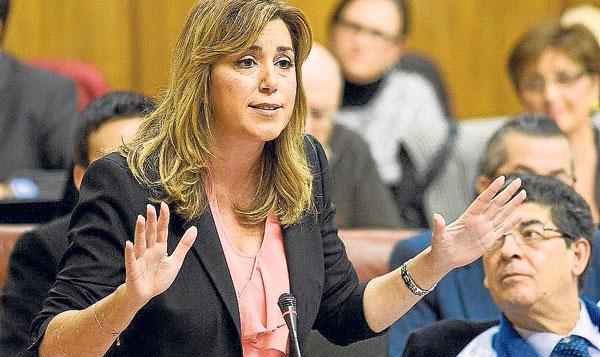 La presidenta de la Junta, Susana Díaz, junto al vicepresidente Diego Valderas, en una sesión de control. / El Correo