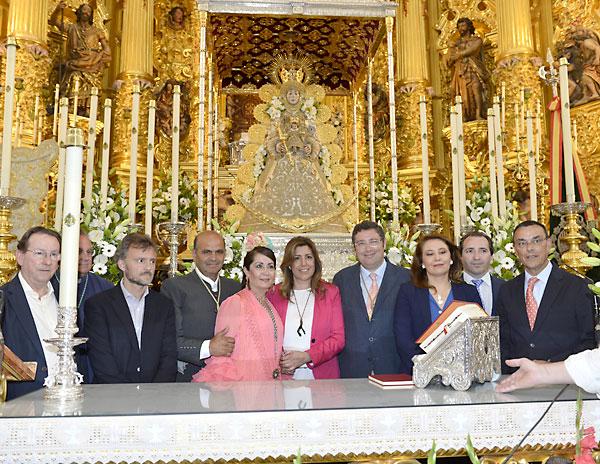 La presidenta de la Junta, Susana Díaz, comprueba el operativo del Plan Aldea en El Rocío y visita la ermita. / Foto: PSOE