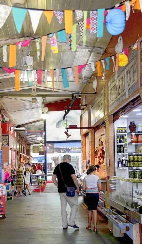 El mercado de Triana se viste para la velá