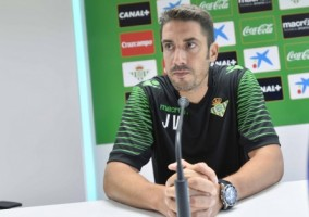 Sevilla 16 07 2014: Rueda de prensa de Julio Velázquez, entrenador de