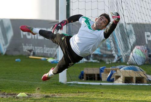 Adán, en un entrenamiento (Foto: Ramón Navarro)