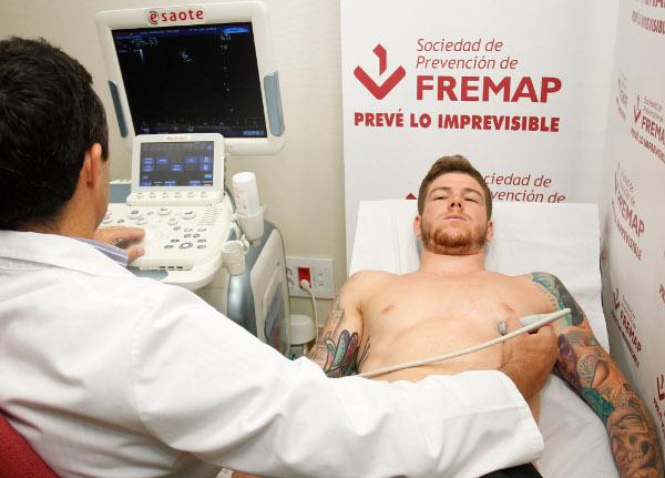 Alberto Moreno, durante las pruebas médicas (Ramón Navarro)