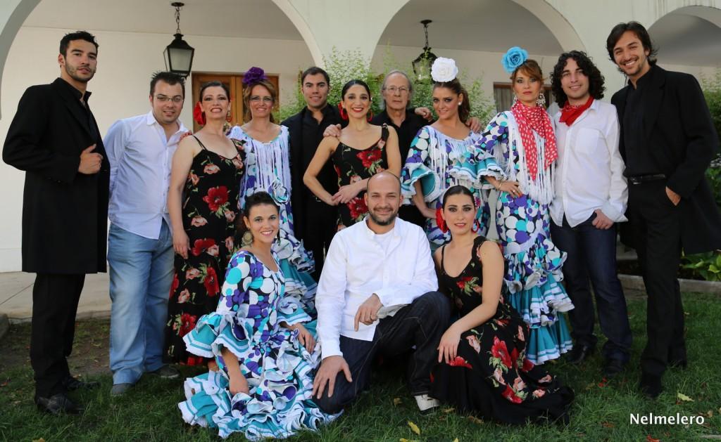El grupo Achares junto a la academia de flamenco chilena José Luis Sobarzo.