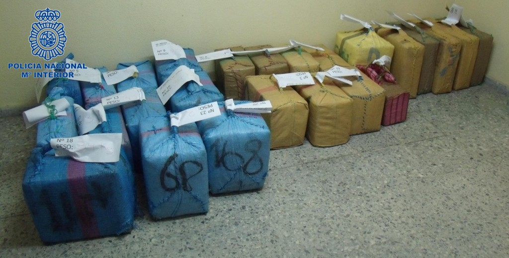 La Policía se ha incautado de 769 kilos de hachí en una operación en la que ha desarticulado a una red de narcotraficantes. / El Correo