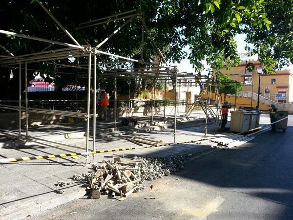 Esta semana ha comenzado el montaje de las primeras casetas en el Altozano.