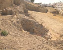Zona de la muralla de Osuna donde se están realizando las excavaciones. Foto: El Correo