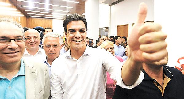 Pedro Sánchez estuvo en Sevilla cerrando la campaña, ya que en Andalucía fue donde más avales consiguió. / EFE