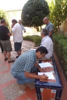 Uno de los taxistas que ayer impugnó la votación.