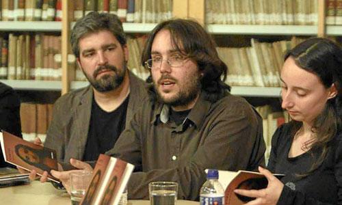 El autor Borja de Diego y la actriz Mila Fernández (Miua Teatro)en la presentación de 'Cartas' en el Centro Andaluz de las Artes Escénicas. / Foto: CdAEa