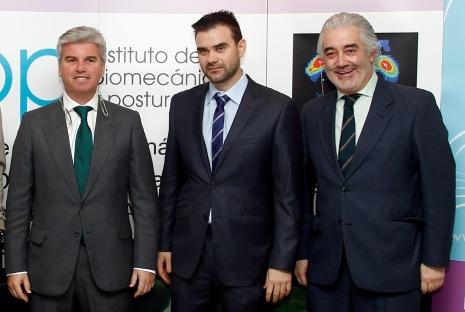 A la derecha, el doctor José Millán, responsable de Gesalus / Íñigo Hidalgo