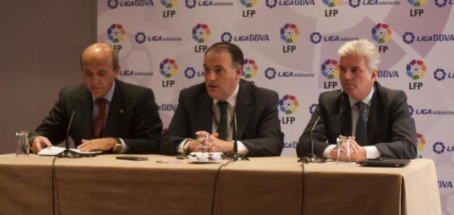 Javier Tebas, con José María del Nido y Miguel Guillén en noviembre de 2013 / LFP