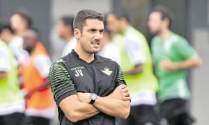 Velázquez debutará con el Betis en la Nova Creu Alta