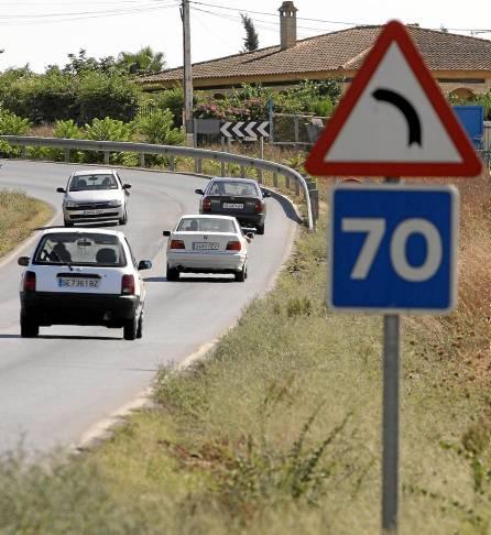 Saltarse los límites de velocidad establecidos en las carreteras es la infracción más cometida por los sevillanos. / Antonio Acedo