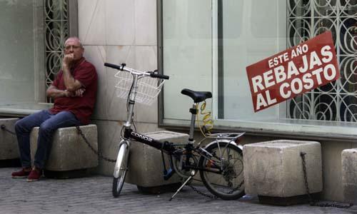 Los últimos días de las Rebajas en el centro de Sevilla. / José Luis Montero