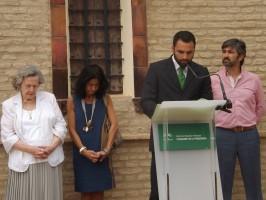 El bisnieto de Blas Infante, Curro Delmás, junto a María de los Ángeles Infante, Mercedes de Pablos y Modesto González. / Foto: A. P.