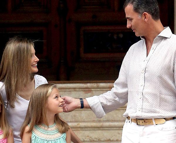 Posado que los Reyes han ofrecido en el Palacio de Marivent. /EFE