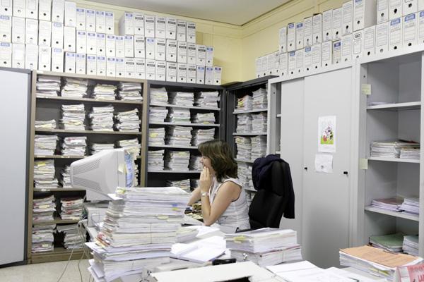 La administración seguirá impulsando la 'justicia digital' para minimizar al máximo el uso de papel. / José Manuel Cabello