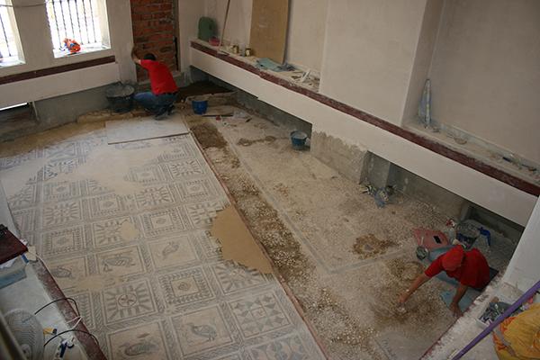 Restauración, a falta de la limpieza y colocación del suelo de cristal. / El Correo