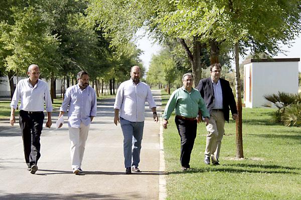 Zonas verdes del Parque Vega de Triana. / J.L. Montero