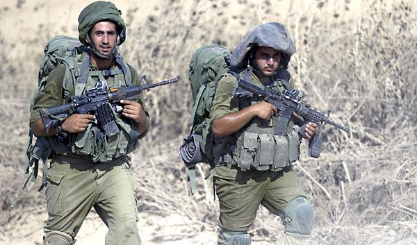 Soldados israelíes en la franja de Gaza. / EFE