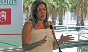Susana Díaz en su visita a la Feria de Málaga.