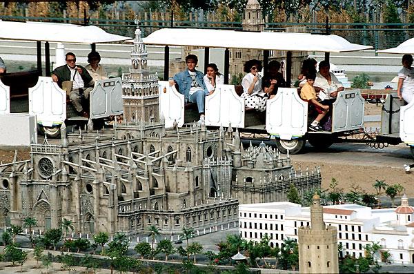 Así era Andalucía de los NIños durante la Expo 92. / El Correo