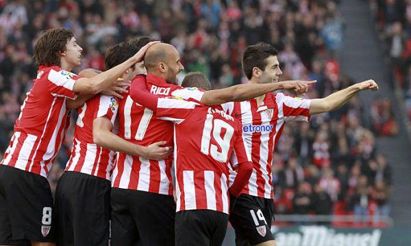 Los jugadores del Athletic celebran un tanto. Foto: EFE
