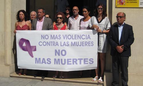 Concentración a las  puertas de la Subdelegación del Gobierno en Alicante